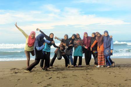 Mrs. Dayang Nur Iznie & Friends