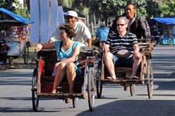 Becak Transportasi Pilihan Backpacker Liburan di Pangandaran